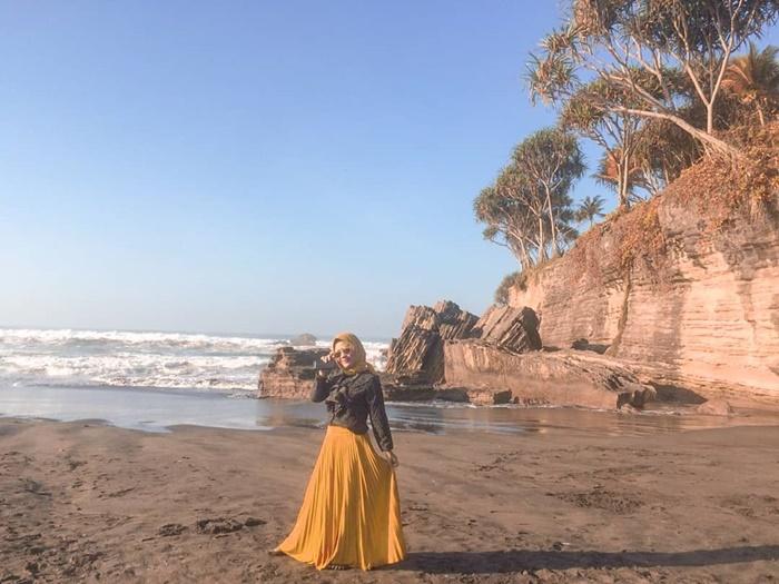 Pantai Batu Hiu - IGwisniatrias