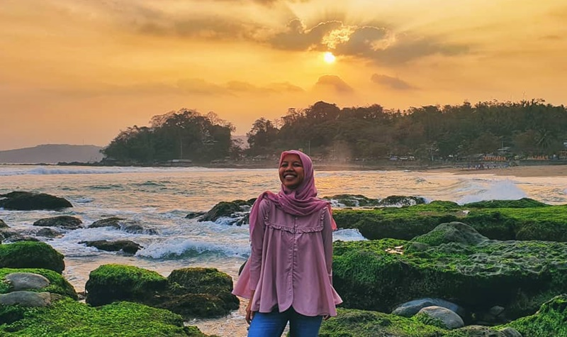 Pantai Karang Hawu Sukabumi - IGdeviyantini