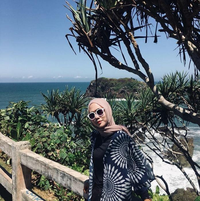 Pantai Karang tawulan - IGtigamarkonah