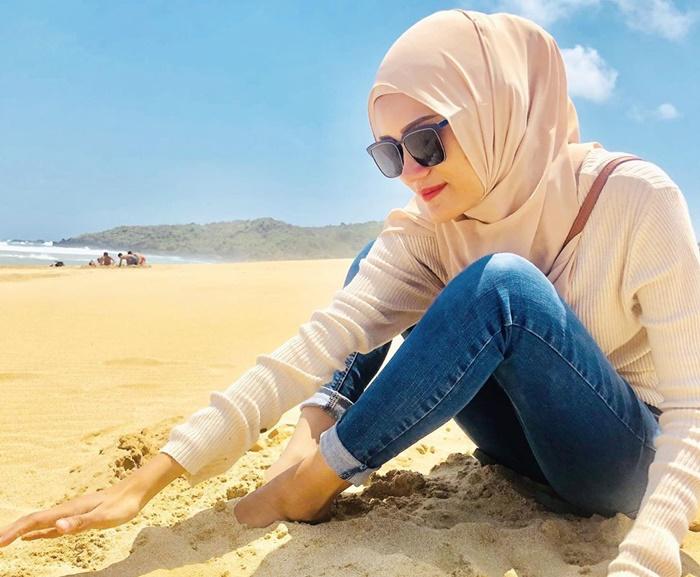 Pantai Pasir Putih - igadindameitaputri