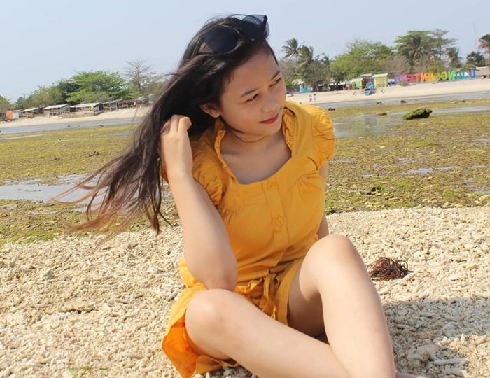 Pantai Ujung Genteng - IGlusiana380
